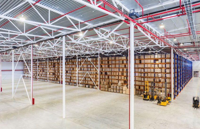 logistic-warehouse-3